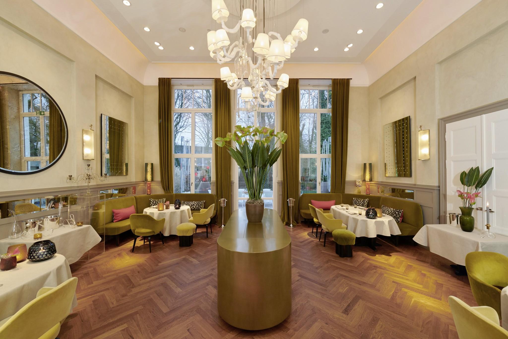 louis restaurant wertgutschein la maison hotel. Black Bedroom Furniture Sets. Home Design Ideas